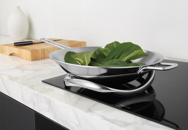 kochen ohne hei e platte almhofer news. Black Bedroom Furniture Sets. Home Design Ideas